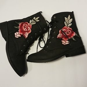 Qupid Ankle Boots w/ Embroidered Red Rose